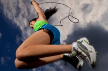 Benefícios de pular corda para emagrecer