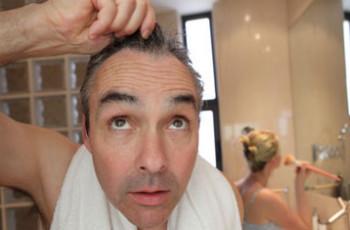 Cuidados para tratar do cabelo masculino e evitar a calvície