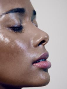 cuidados para remover a oleosidade do rosto