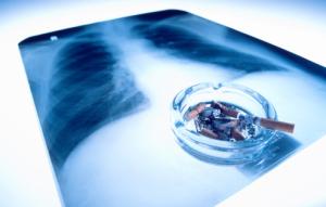 habito de fumar causa males ao corpo