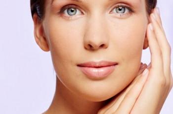 Saiba como controlar a sudorese excessiva no rosto