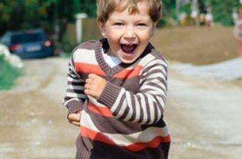 Criança com hiperatividade: saiba como lidar