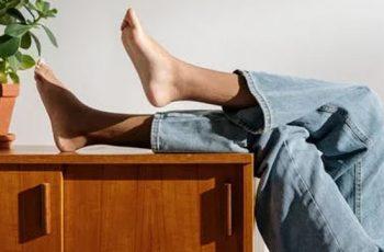 Como cuidar dos pés e cotovelos ressecados no inverno